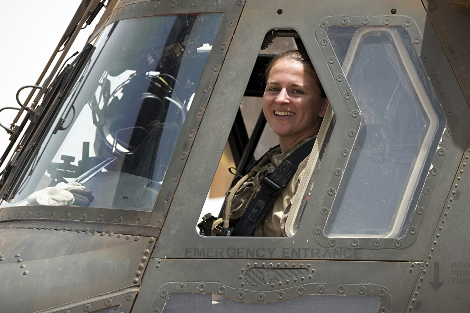Canadian pilot Jackie Ruis CH-147F Chinook helicopter Canadian Women in Aviation